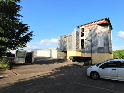 LOCAL INDUSTRIEL A VENDRE - SANCE - 498 000 €